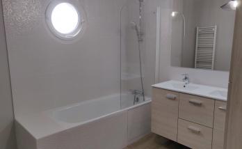 Rénovation d'une salle de bain avec faience graphique Essonne